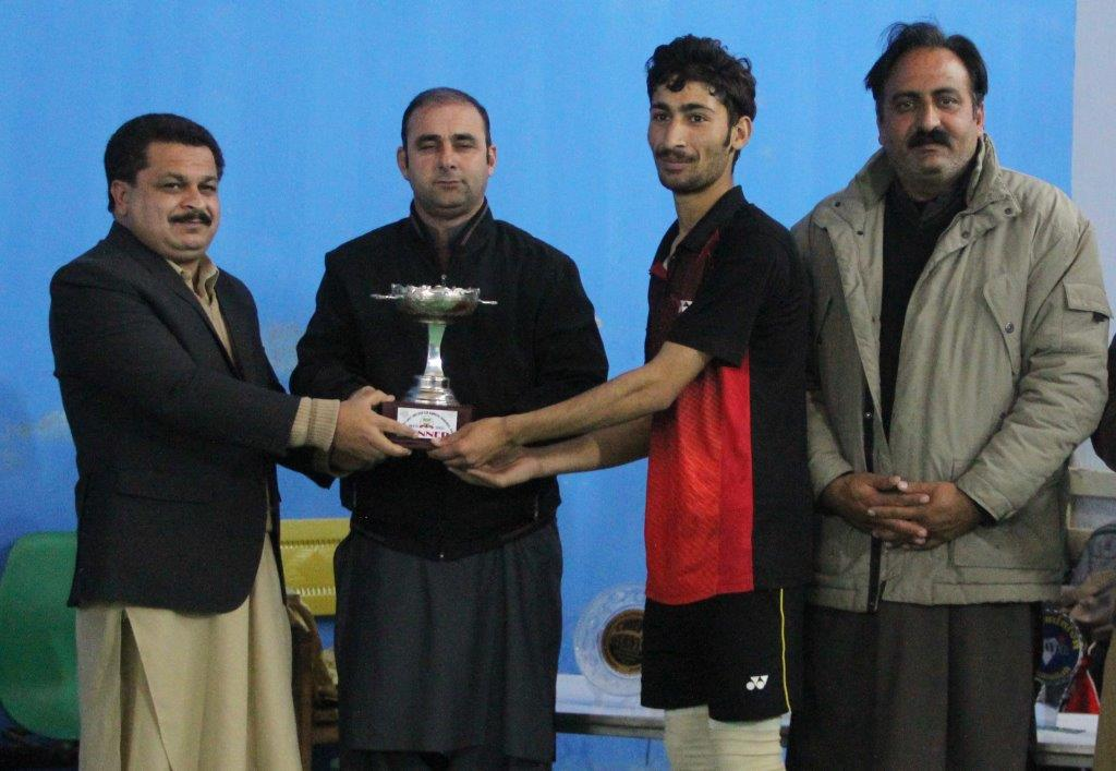 Young Hamza wins district badminton title