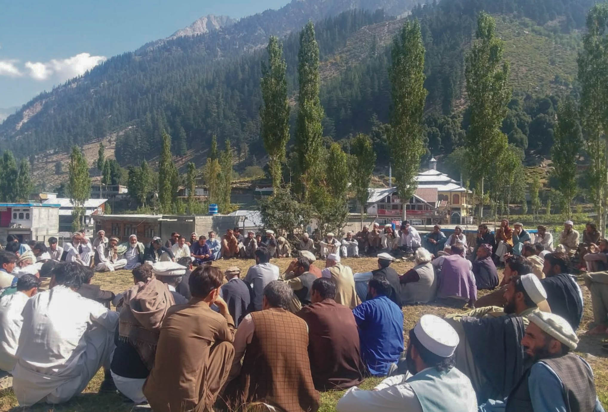 Kalam people protest non-payment of land for power project